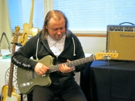 Tonefest 2020 – visitor at Vuorensaku Guitars + Bluetone Amps